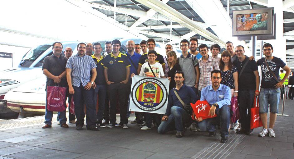 Socios de ACFEV, Afergodella y simpatizantes asistentes a la visita