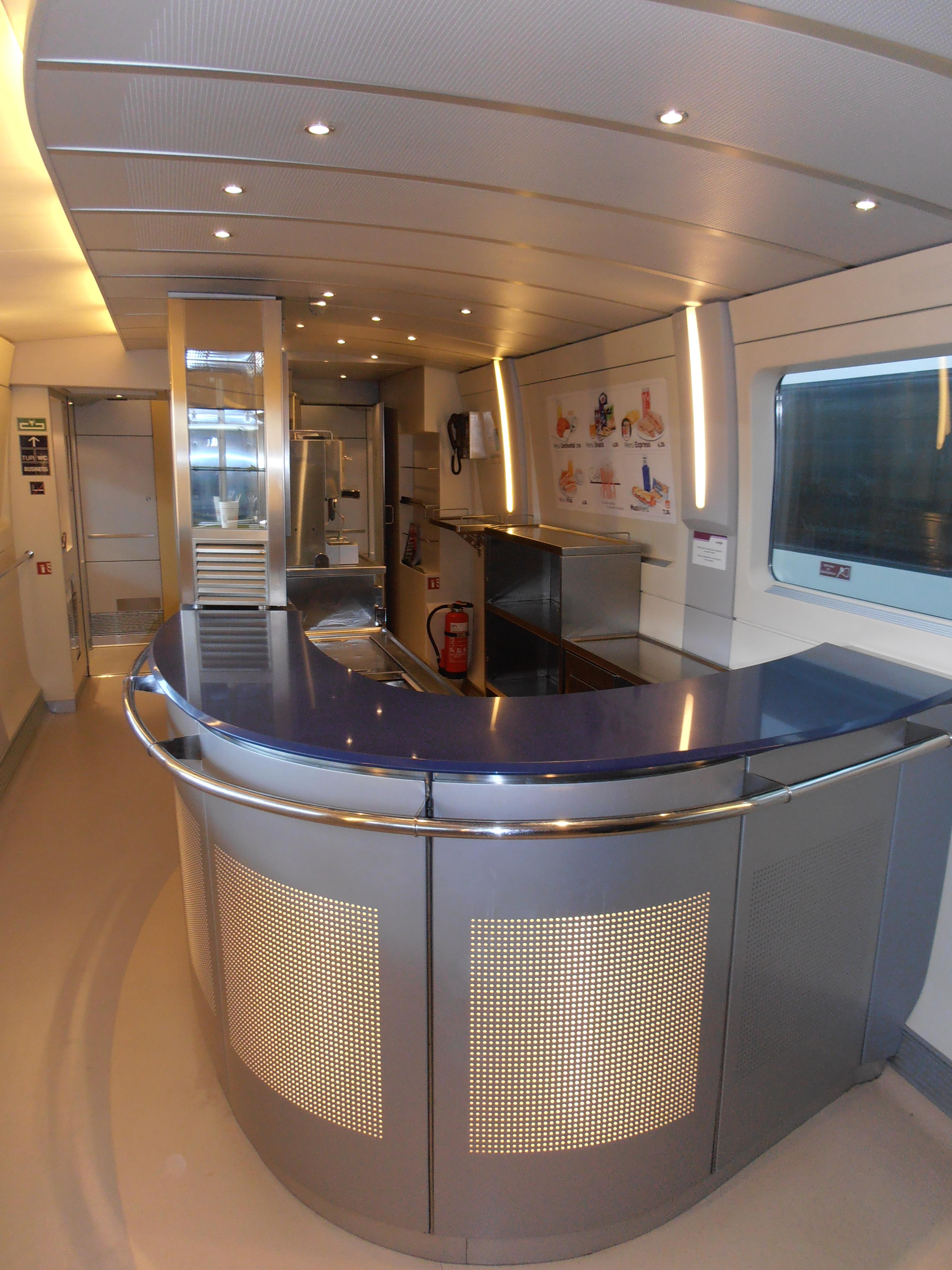 Barra y cocina del coche Cafetería del tren S.112