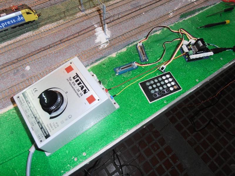 Control de trenes por Arduino, una introducción
