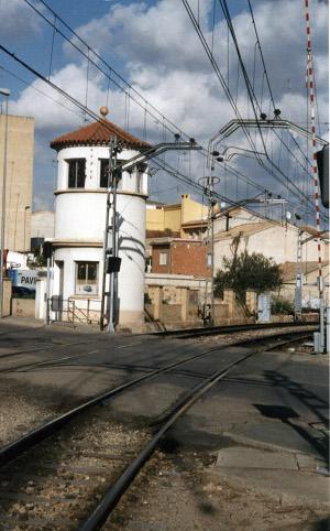 Torre de Mando Guardabarreras de Godella, patrimonio histórico ferroviario
