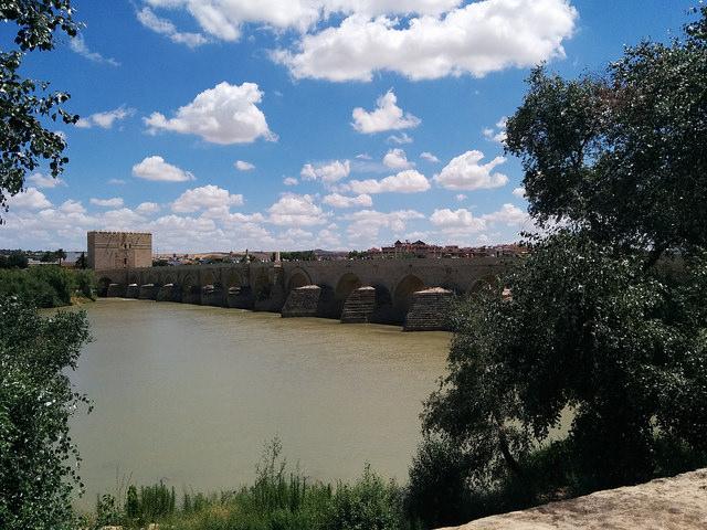Vista del puente romano de Córdoba