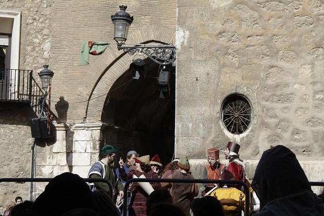 Representación teatral junto a la Catedral de Teruel