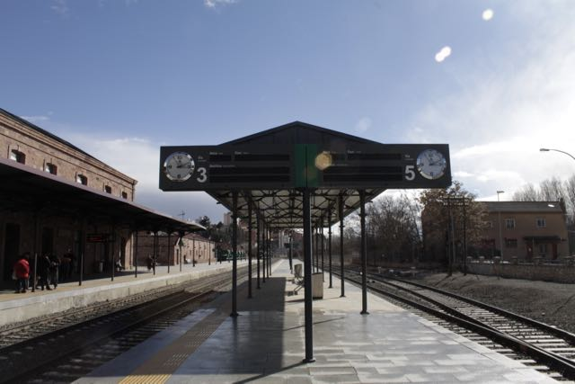 Estación de Teruel en un momento de calma entre lluvia, sol y aire congelado