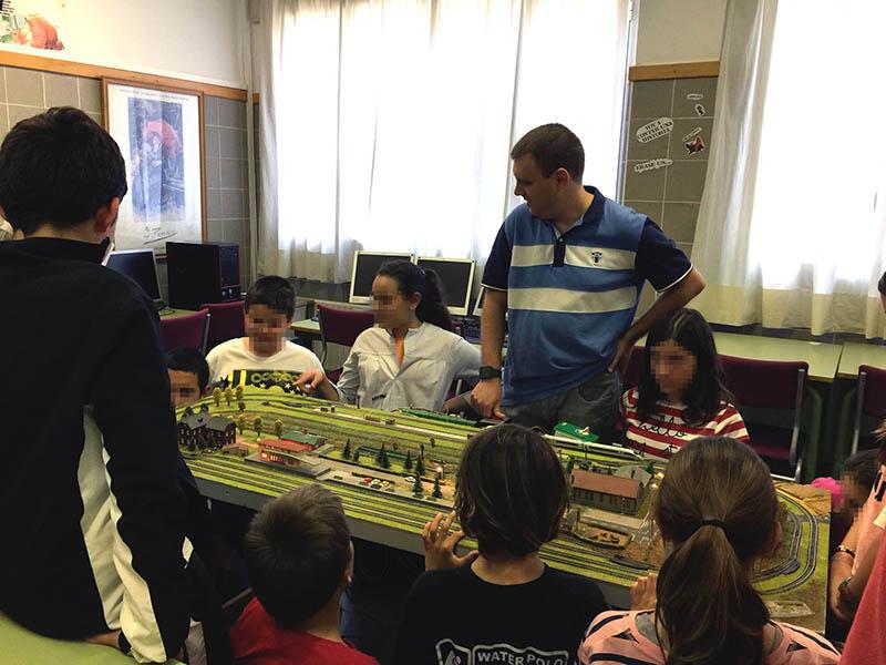 la asociación participó en la semana cultural del colegio público Cervantes de Godella