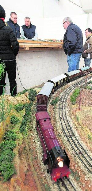 """[Prensa] – """"Los locos por el tren se reunen en Godella"""""""
